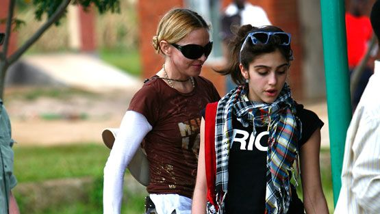 Madonna ja Lourdes Leon Malawissa (Kuva: Wire Images/All Over Press)