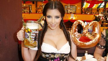 Kim Kardashian Oktoberfesteillä. (Kuva: Getty/All Over Press)