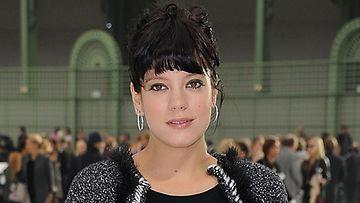 Laulaja Lily Allen kiidätettiin sairaalaan vakavan verenmyrkytyksen takia.
