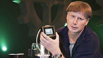 Marko Vanhanen ja disco-kahvinkeitin.