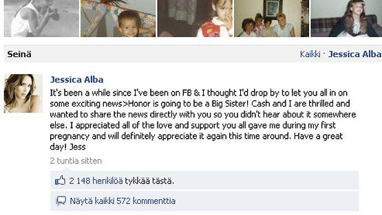 Jessica Alba paljasti ilouutisen Facebookissa.