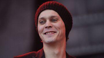 HIM-laulaja Ville Valolla on syytä hymyyn. HIMin taustalla oleva yhtiö teki loistavan tuloksen.