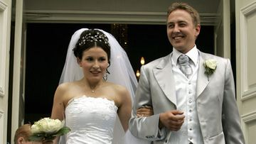Maria Lund ja Mikko Rantaniva menivät naimisiin vuonna 2005 Tampereen Vanhassa kirkossa. (Kuva: Veli-Matti Parkkinen/Lehtikuva)
