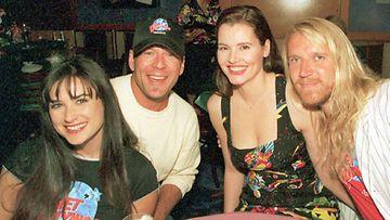 Planet Hollywoodin avajaisissa Demi Moore, Bruce Willis, Geena Davis ja Renny Harlin (Lehtikuva)