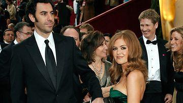 Sacha Baron Cohen ja Isla Fisher (Kuva: Getty Images/All Over Press)