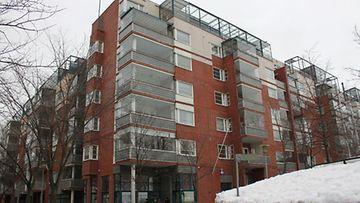 Pentti Arajärvi osti ylellisen kattohuoneiston Helsingin Hakaniemestä. (Kuva: Mikko Kormilainen/MTV Oy)