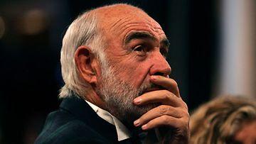 Sir Sean Connery ei aio antaa pojalleen penniäkään.