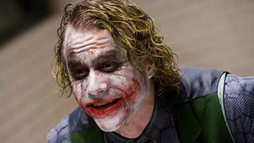 Heath Ledger näyttelee JOkeria. (Kuva: Warner Bros.)