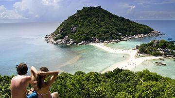 Koh Taolta pääsee kätevästi myös viereiselle, rauhoitetulle Nang Yuanin saarelle.