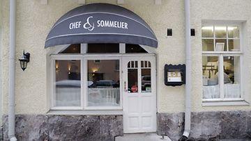 Suomen Gastronominen seura on valinnut Vuoden Ravintolaksi Helsinkiläisen Chef & Sommelierin, 12. helmikuuta 2013.