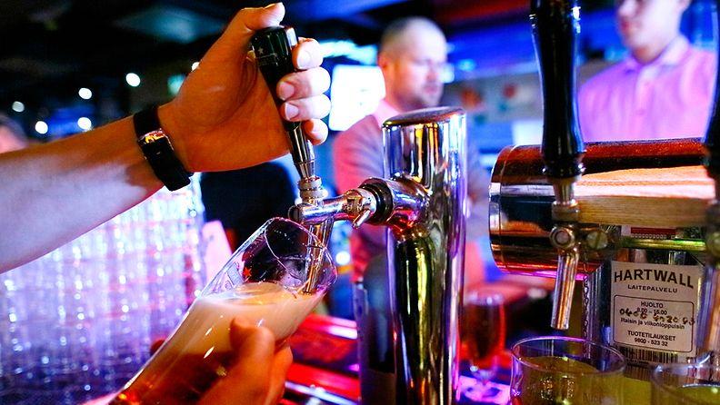 Lasin pitäisi olla oluttyypille sopivan muotoinen, jotta se tuo parhaalla mahdollisella tavalla oluen aromit esiin. Käsikäyttöinen hana on myös hyvän tuopin avaintekijä.