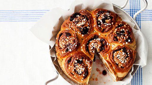 Onko Bostonkakku uusi trendileivonnainen? Perinteikkäät leivonnaiset ja isoäidin perinnereseptit ovat nosteessa.