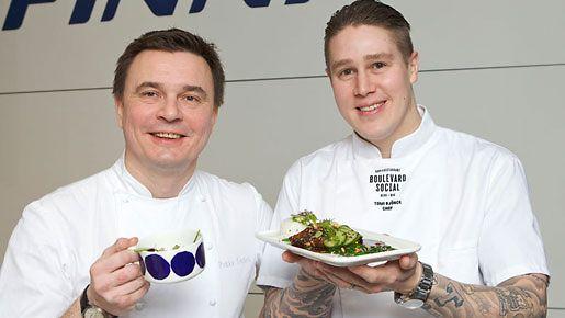 Tunnetut suomalaiset keittiömestarit Pekka Terävä ja Tomi Björck loihtivat Finnairille uudet bisnesluokan menut-