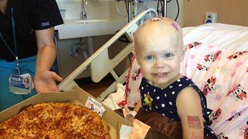 2-vuotias Hazel Hammersley oli onneissaan saadessaan pizzaa