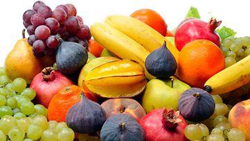 Raakaravinnon peruspilareihin kuuluvat hedelmät.
