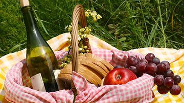 Täydellinen piknik syntyy yksinkertaisista aineksista.