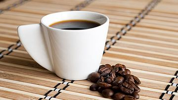 Maidon vaahdotus kahviin