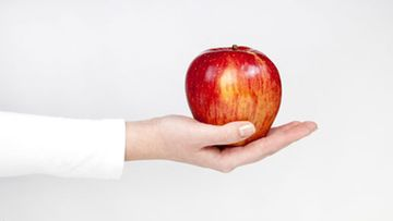 Omena päivässä pitää lääkärin loitolla -sanonta pätee osaan väestöstä paremmin kuin toiseen.