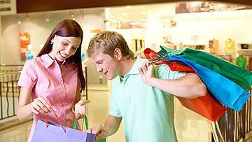 Maaliskuusta alkaen voit maksaa ostoksesi myös laskulla.
