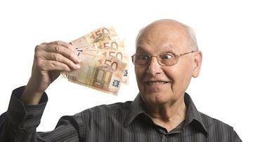 Huijausviestit lupaavat usein suuria rahavoittoja.