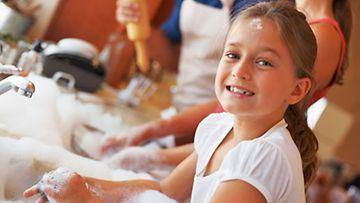 Siivoaminen voi olla aivan yhtä hauskaa kuin kokkaaminenkin, kunhan välineet ovat kunnossa.