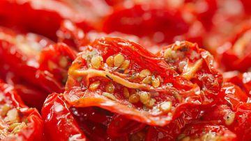 Britannian terveysviranomaiset epäilevät pakattujen aurinkokuivattujen tomaattien tartuttavan hepatiitti A:ta