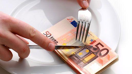 Oikeilla valinnoilla voi säästää jopa tuhansia euroja vuodessa ruokaostoksissa.