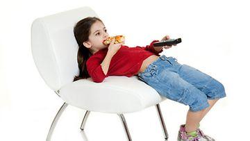 """""""Lapsille enemmän pizzaa!"""", vaatii asiantuntija."""