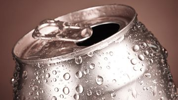 Itsestään viilenevä tölkki jäähdyttää juoman alle kahdessa minuutissa.