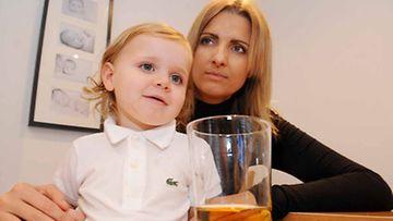 Ravintola tarjosi 2-vuotiaalle Sonny-pojalle viskiä hedelmämehun sijaan.