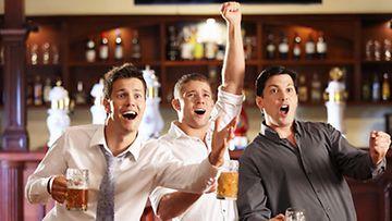 Miltä kuulostaisi naisilta kielletty pubi-ilta urheilun ja oluen merkeissä?