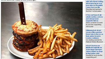 Atomic Burgerin Atomic Fallout -hampurilainen.