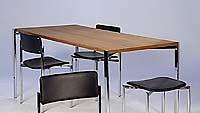 Ilmari Tapiovaaran pöytä ja tuolit
