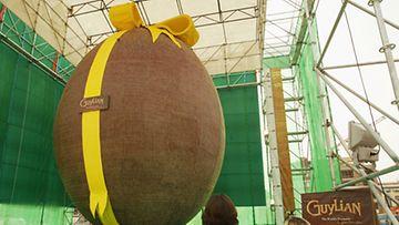 Maailman suurin suklaamuna vuonna 2005.