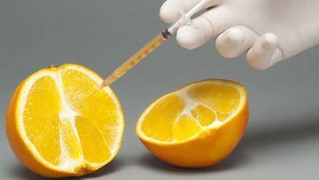 Lisäaineita ujutetaan tänäpäivänä suureen osaan elintarvikkeista.