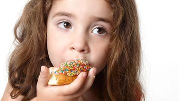 Lapset syövät nykyään makeaa huomattavasti enemmän kuin ennen.