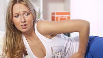 Histamiini-intoleranssi aiheuttaa vatsakipua.