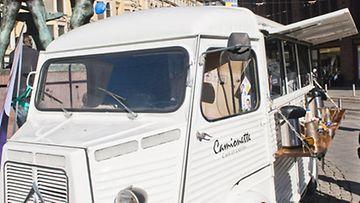 Tio Tikka sijoitti kahvila-autoonsa yli 30 000 euroa.