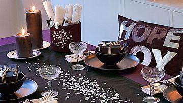 H&M Home -joulumallisto luottaa tyylikkääseen mustaan.