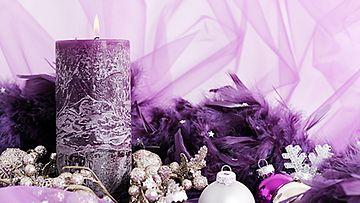 Violetti ja hopea muodostavat näyttävän kokonaisuuden.