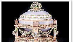 Tsaari Nikolai II lahjoitti Fabergé-munia vaimolleen.