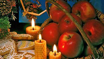 Perinteiset jouluherkut ovat myös näyttäviä koristeita.
