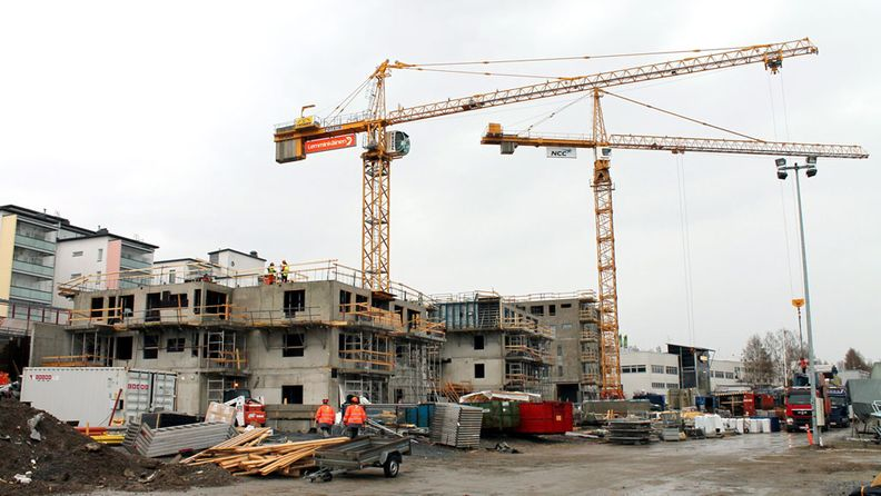 Rakennustyömaa Ikonnimessä, Kuopiossa 10. toukokuuta 2012. Runsaat sata suomalaista betonituoteyritystä tarvitsee CE-merkinnän elementeilleen viimeistään heinäkuuhun 2013 mennessä.