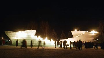 Internationally recognized architects and artists have collaborated to design installations using as their primary materials snow and ice in The Snow Show in Finnish Lapland. Snow and ice twins, designed by artists Cai Guo-Qiang and Zaha Hadid were presented with a fire performance.