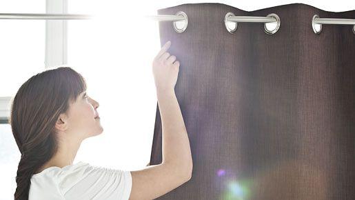Verhoilla voit vaikuttaa myös huoneen kuumuuteen paahtavina kesäpäivinä.