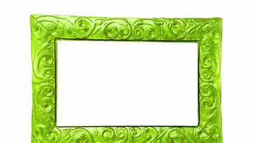 Maalaa peilinkehys vaikkapa vihreäksi!
