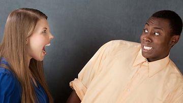 Hate datingissä saa haukkua sydämensä kyllyydestä.