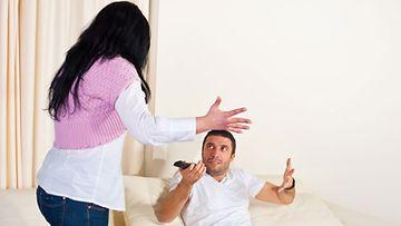 Äitimäinen suhtautuminen voi pilata parisuhteesi.