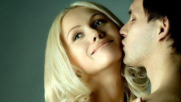 Online dating rituaalit amerikkalaisen mies Marcus Chloe