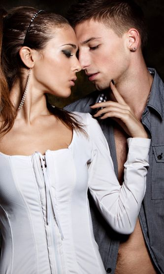 Mitä tietää, kun dating jousi mies mies Czech dating App